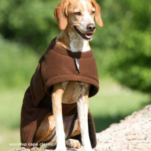 warmup-cape-classic-front-bademantel-braun-hund
