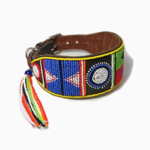 Perlenhalsband-Burleske-schwarz-Hundehalsband-Glasperlen-Massai-Hund-multicolor