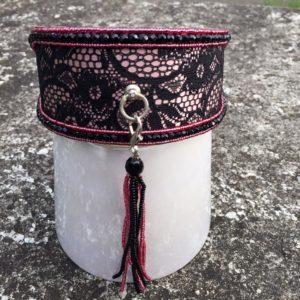 Perlenhalsband-Burleske-schwarz-Hundehalsband-Glasperlen-Massai-Hund-rosa