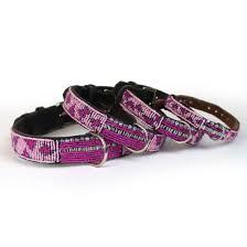 Perlenhalsband-Burleske-schwarz-Hundehalsband-Glasperlen-Massai-Hund-pink