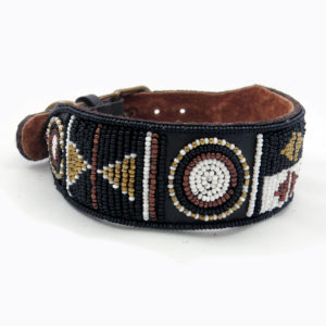 Perlenhalsband-Hundehalsband-Massai-Hund-braun-Glasperlen