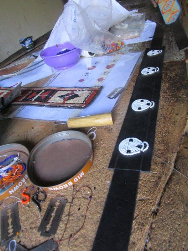 Perlenstickerei-Hundehalsband-Glasperlen-Massai