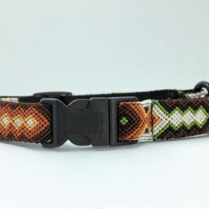 HEKA PET-Ibizia Style-Halsband-Hundehalsband-Mexiko-geflochten-Hand Made-Clickverschluss-schwarzer D-Ring-Vegan-braun-Otomi-L-breit
