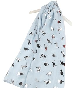 Katzen-Schal-silber-hellblau-warm-kuschlig