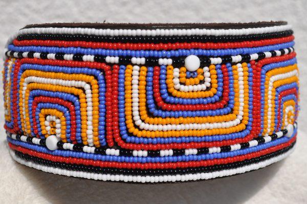 Perlenhalsband-Geflochten-Kenya-Massai-Hundehalsband-blau-orange-rot-gelb-weiss-schwarz