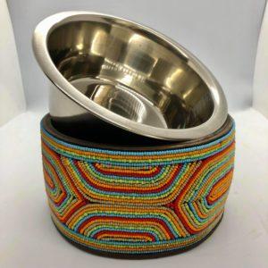 Pfoetli Shop-Afrika-Kenya-Masai-Napf-Fressnapf-Hund-Katze-Handarbeit-Perlen-Leder-orange-rot-blau-gruen-1